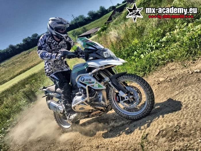 Fahrsicherheitstraining-Motorrad mit eigenem Strassen-Motorrad