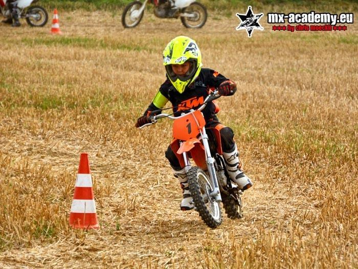 Kinder-Motocross Kurs mit eigenem Kindermotocross Bike