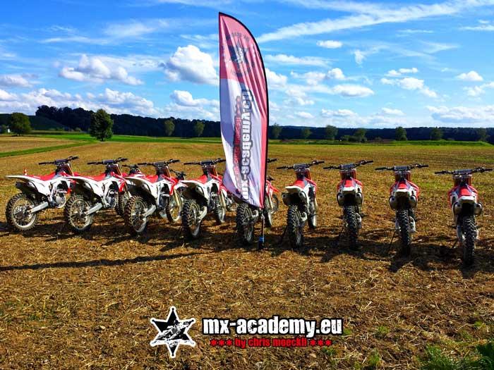 Motocross fahren in der MX-Academy von Chris Moeckli