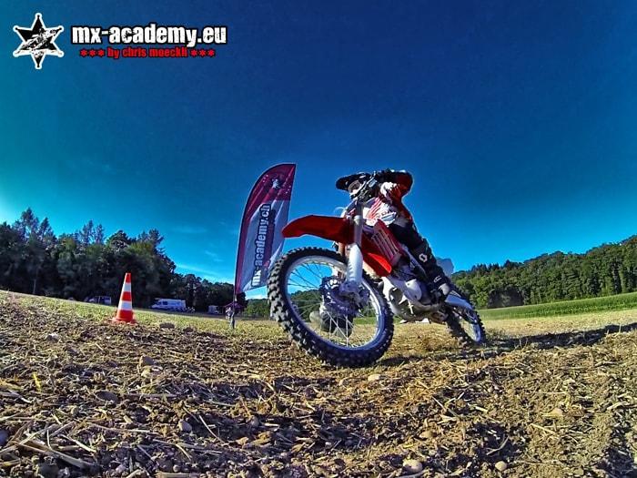Motocross Frauen können manchmal besser fahren als die Männer
