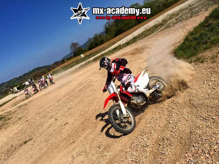 Supermoto fahren - Driften lernen in der MX-Academy